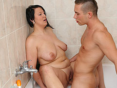 Showering BBW fucked by a stud