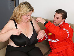 Banging a fat girl from behind