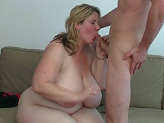 Fat girl mouth and pussy make him happy