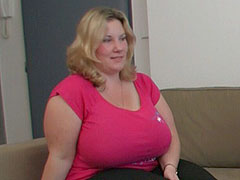 Hard fuck of a fat chick that loves him