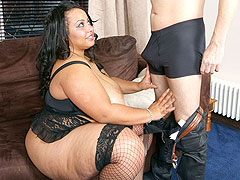 Cute black masseuse pleases her client